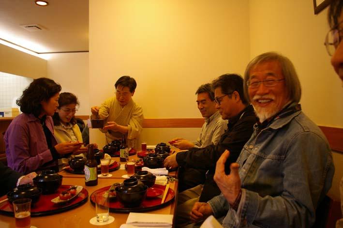 「ガイドブックに載らない北鎌倉の神々」の販売、好調持続_c0014967_5531215.jpg