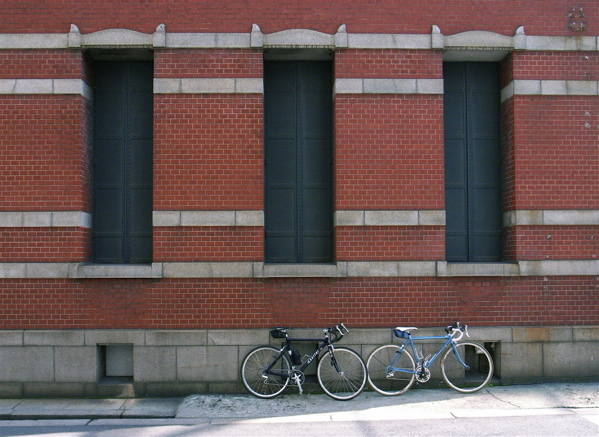 自転車の 自転車の写真 : 大阪高麗橋、堺筋、昨年まで ...