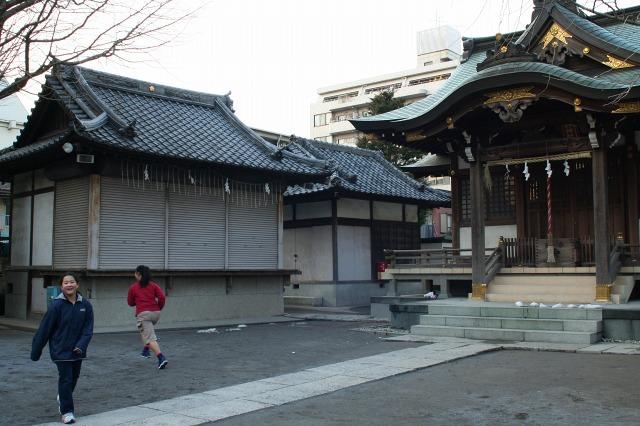 綾瀬  どこか地方都市の趣_b0061717_0365732.jpg