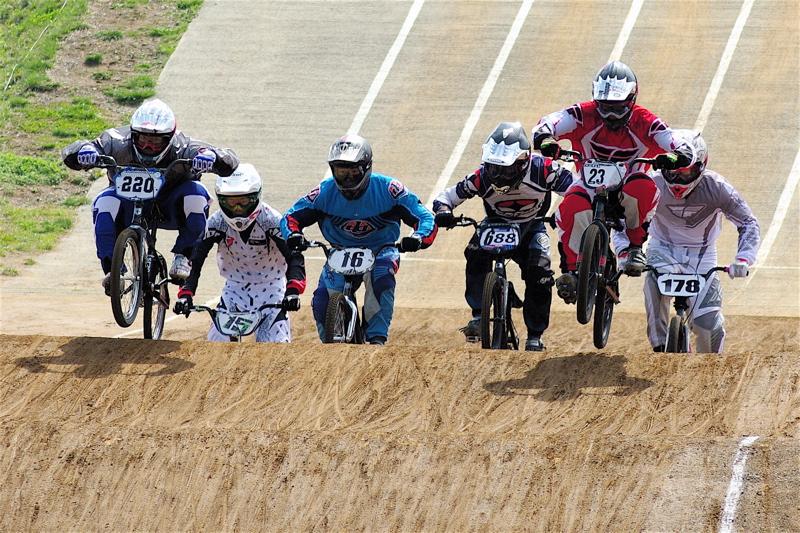2008JBMXF全日本BMX選手権大会INひたちVOL2エリートクラス予選第3ヒート~準決勝_b0065730_0545510.jpg