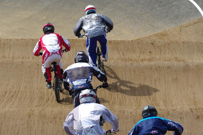 2008JBMXF全日本BMX選手権大会INひたちVOL2エリートクラス予選第3ヒート~準決勝_b0065730_055493.jpg