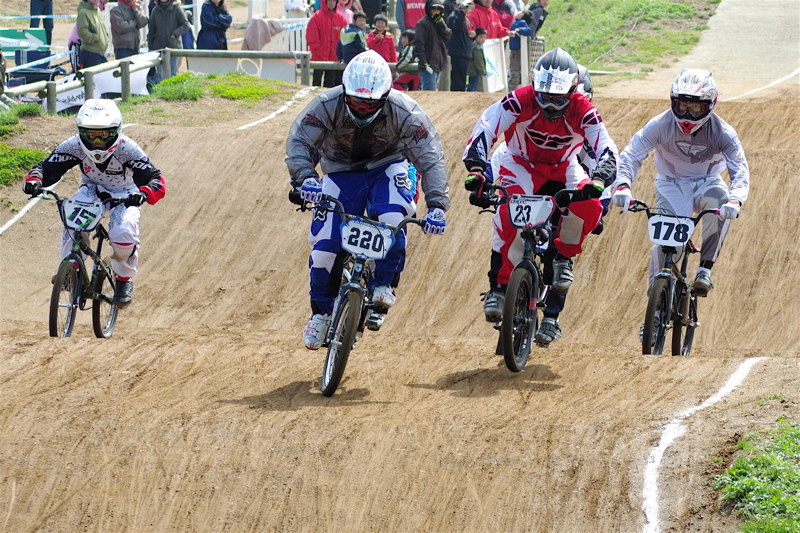 2008JBMXF全日本BMX選手権大会INひたちVOL2エリートクラス予選第3ヒート~準決勝_b0065730_055994.jpg