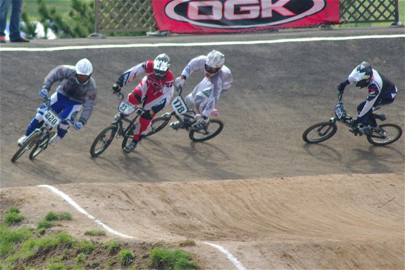 2008JBMXF全日本BMX選手権大会INひたちVOL2エリートクラス予選第3ヒート~準決勝_b0065730_0561565.jpg