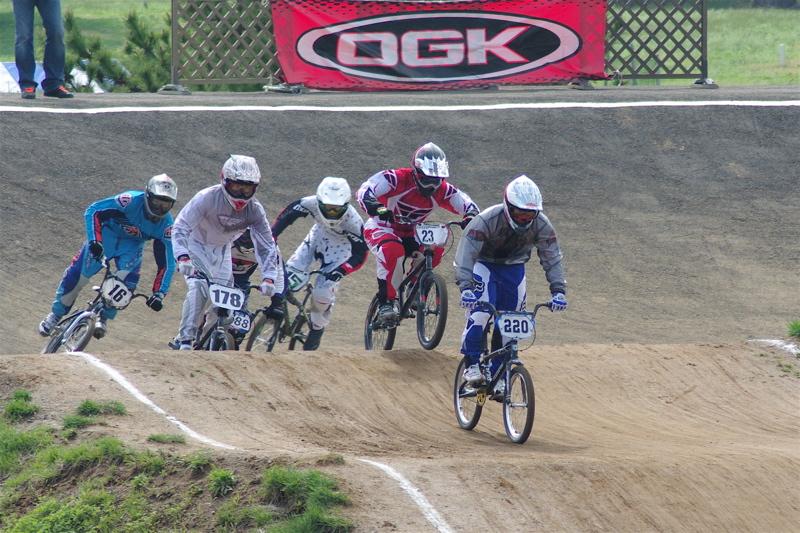 2008JBMXF全日本BMX選手権大会INひたちVOL2エリートクラス予選第3ヒート~準決勝_b0065730_0562731.jpg