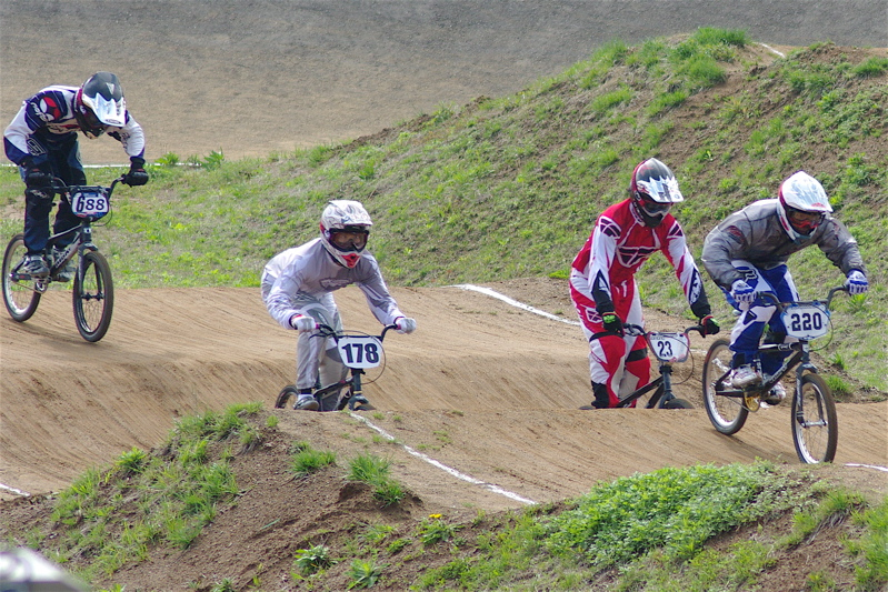 2008JBMXF全日本BMX選手権大会INひたちVOL2エリートクラス予選第3ヒート~準決勝_b0065730_0564068.jpg