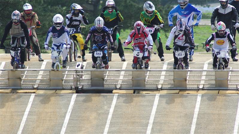 2008JBMXF全日本BMX選手権大会INひたちVOL2エリートクラス予選第3ヒート~準決勝_b0065730_0571144.jpg