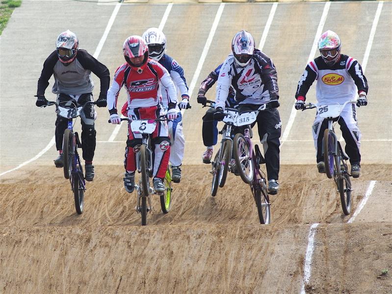 2008JBMXF全日本BMX選手権大会INひたちVOL2エリートクラス予選第3ヒート~準決勝_b0065730_0583646.jpg