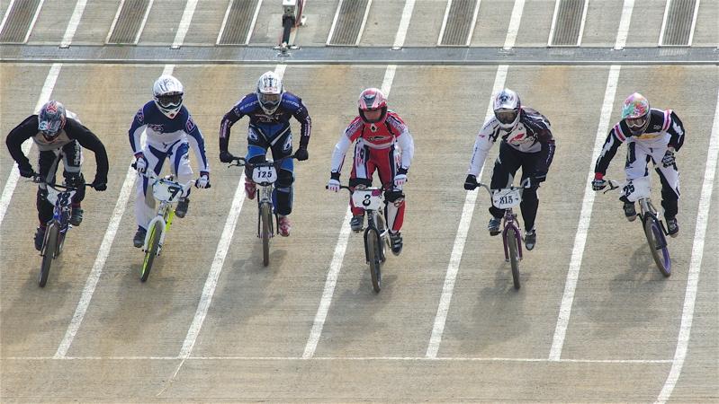 2008JBMXF全日本BMX選手権大会INひたちVOL2エリートクラス予選第3ヒート~準決勝_b0065730_05888.jpg
