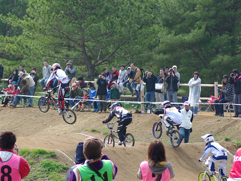 2008JBMXF全日本BMX選手権大会INひたちVOL2エリートクラス予選第3ヒート~準決勝_b0065730_0594745.jpg