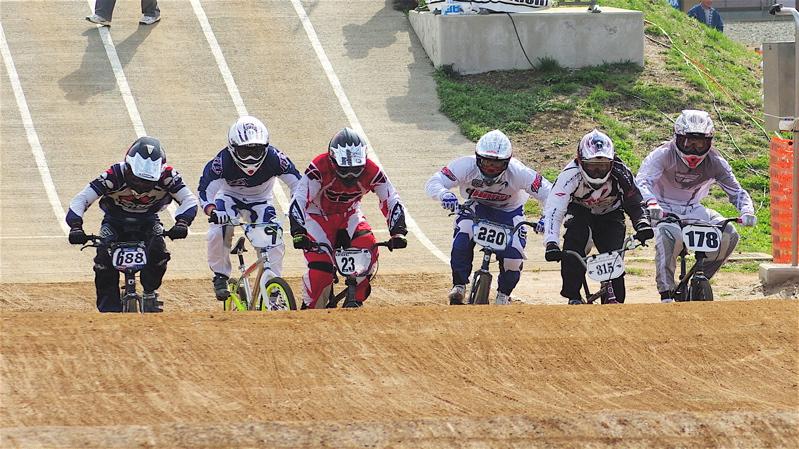 2008JBMXF全日本BMX選手権大会INひたちVOL2エリートクラス予選第3ヒート~準決勝_b0065730_1111316.jpg