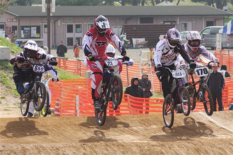 2008JBMXF全日本BMX選手権大会INひたちVOL2エリートクラス予選第3ヒート~準決勝_b0065730_1113068.jpg