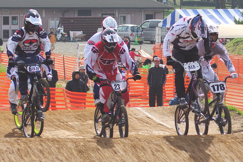 2008JBMXF全日本BMX選手権大会INひたちVOL2エリートクラス予選第3ヒート~準決勝_b0065730_111471.jpg
