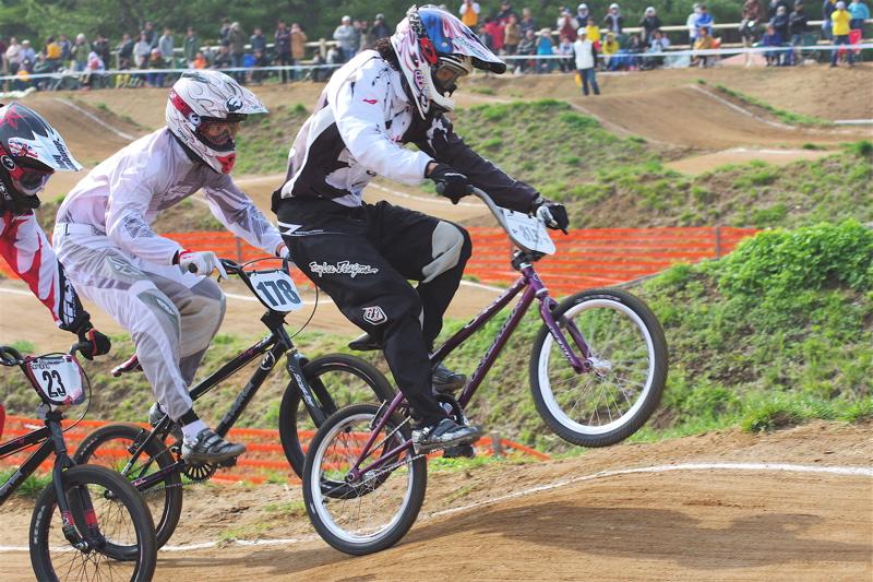 2008JBMXF全日本BMX選手権大会INひたちVOL2エリートクラス予選第3ヒート~準決勝_b0065730_112356.jpg