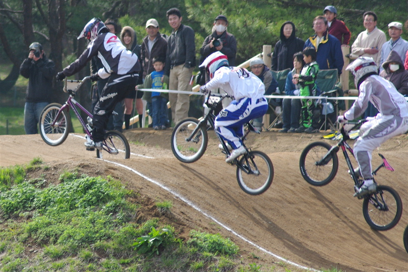 2008JBMXF全日本BMX選手権大会INひたちVOL2エリートクラス予選第3ヒート~準決勝_b0065730_1132357.jpg