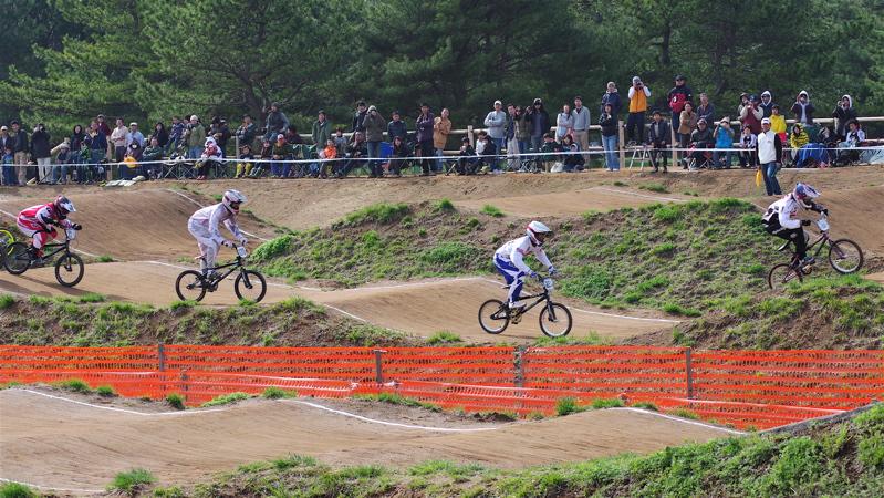 2008JBMXF全日本BMX選手権大会INひたちVOL2エリートクラス予選第3ヒート~準決勝_b0065730_114191.jpg