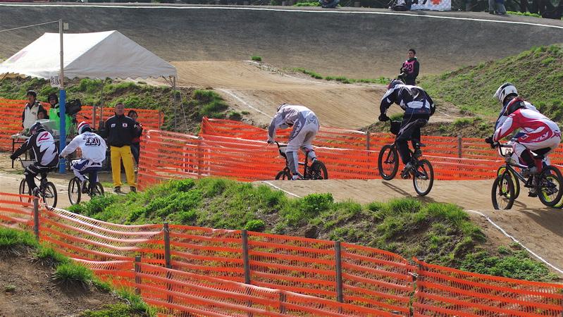 2008JBMXF全日本BMX選手権大会INひたちVOL2エリートクラス予選第3ヒート~準決勝_b0065730_1143524.jpg