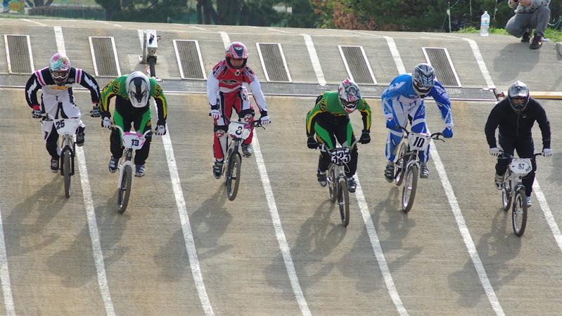 2008JBMXF全日本BMX選手権大会INひたちVOL2エリートクラス予選第3ヒート~準決勝_b0065730_1215965.jpg