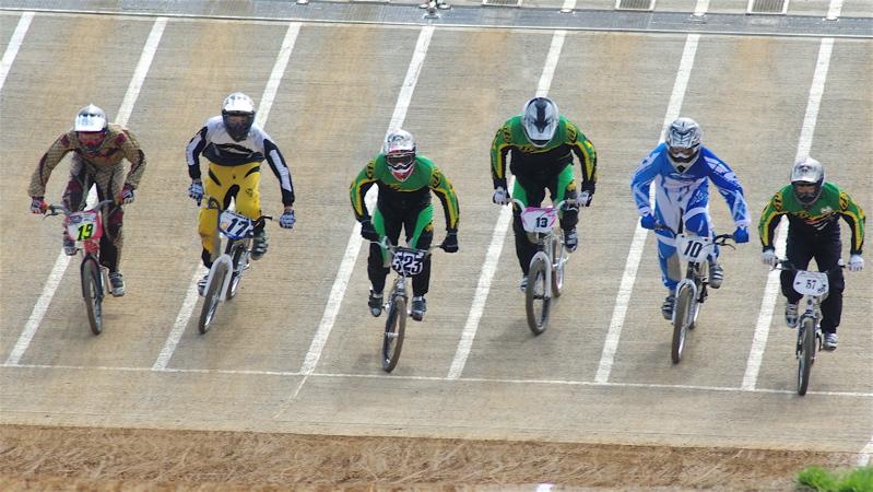 2008JBMXF全日本BMX選手権大会INひたちVOL2エリートクラス予選第3ヒート~準決勝_b0065730_122023.jpg