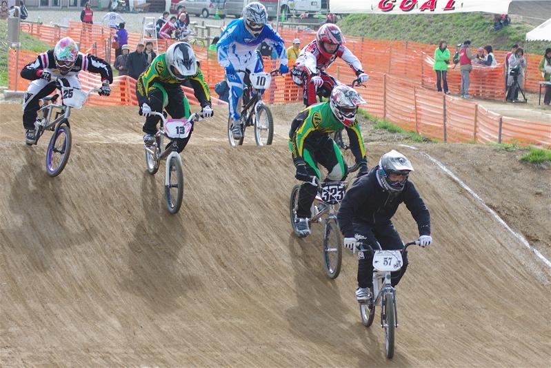 2008JBMXF全日本BMX選手権大会INひたちVOL2エリートクラス予選第3ヒート~準決勝_b0065730_123121.jpg