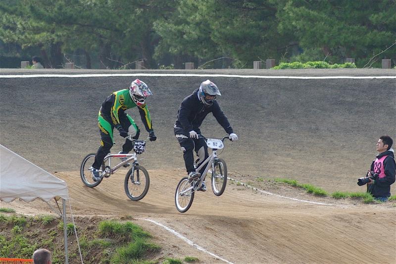 2008JBMXF全日本BMX選手権大会INひたちVOL2エリートクラス予選第3ヒート~準決勝_b0065730_1243821.jpg