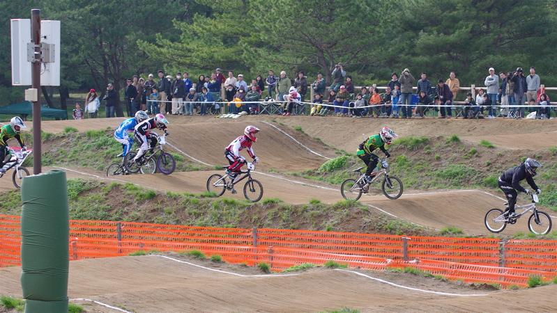 2008JBMXF全日本BMX選手権大会INひたちVOL2エリートクラス予選第3ヒート~準決勝_b0065730_1245335.jpg