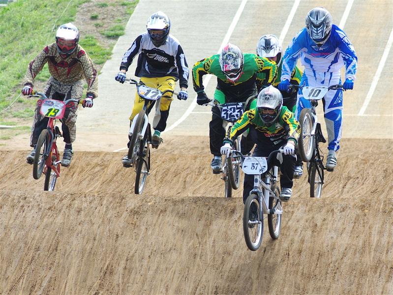 2008JBMXF全日本BMX選手権大会INひたちVOL2エリートクラス予選第3ヒート~準決勝_b0065730_124995.jpg