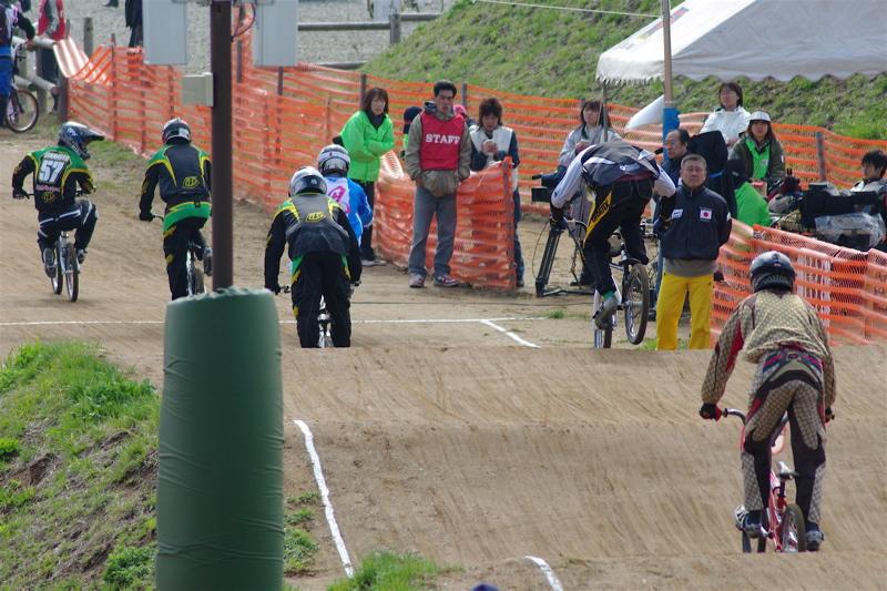 2008JBMXF全日本BMX選手権大会INひたちVOL2エリートクラス予選第3ヒート~準決勝_b0065730_145651.jpg