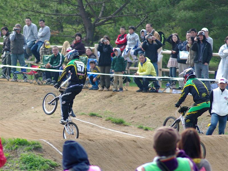2008JBMXF全日本BMX選手権大会INひたちVOL2エリートクラス予選第3ヒート~準決勝_b0065730_14955.jpg