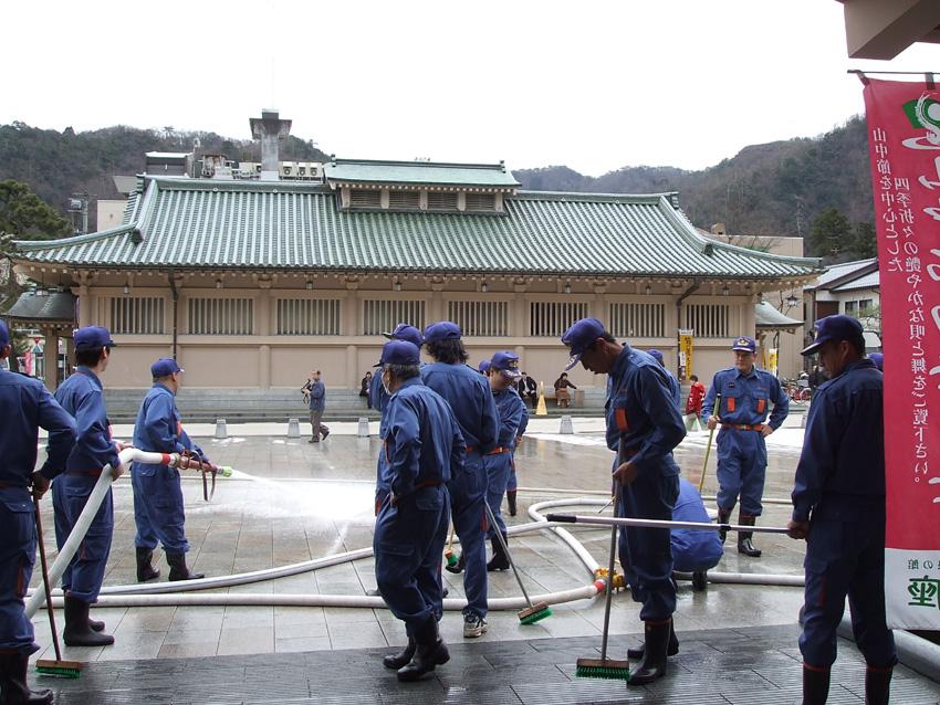 加賀市消防ボランティア清掃_f0040218_1734257.jpg