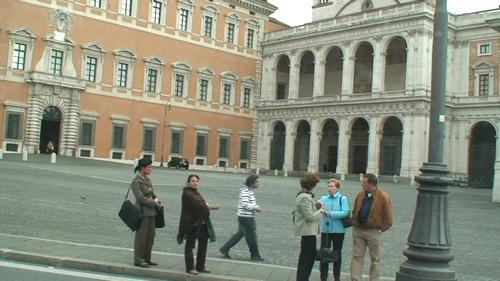 イタリア旅行・関空からローマまで12時間のフライト ①-1 ・4月15日_d0083265_21344187.jpg
