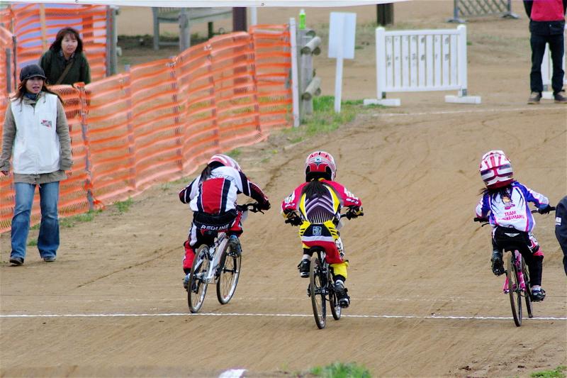 2008JBMXF全日本BMX選手権大会INひたちVOL10ガールズ5〜12才クラス決勝_b0065730_012528.jpg