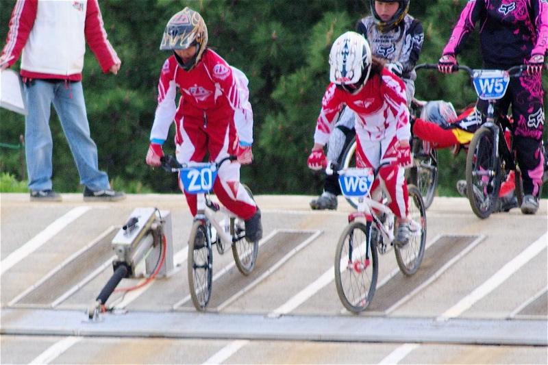 2008JBMXF全日本BMX選手権大会INひたちVOL10ガールズ5〜12才クラス決勝_b0065730_016339.jpg