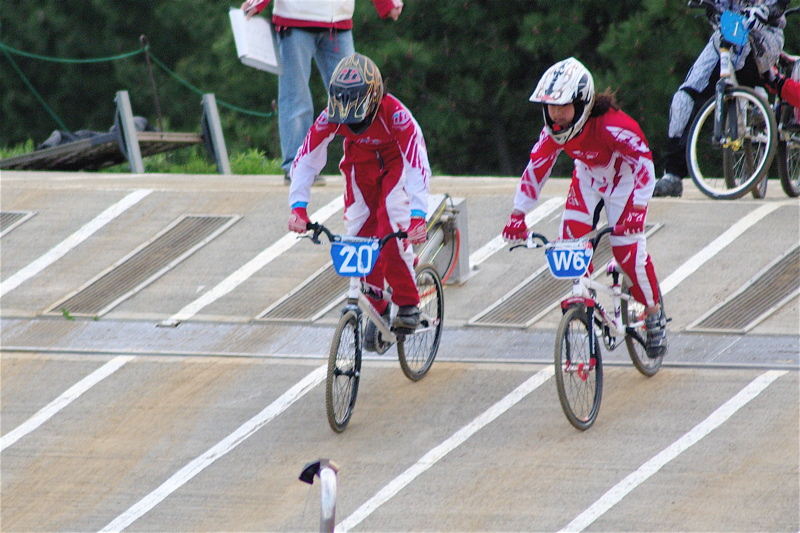 2008JBMXF全日本BMX選手権大会INひたちVOL10ガールズ5〜12才クラス決勝_b0065730_0164885.jpg