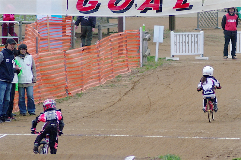 2008JBMXF全日本BMX選手権大会INひたちVOL10ガールズ5〜12才クラス決勝_b0065730_0201.jpg