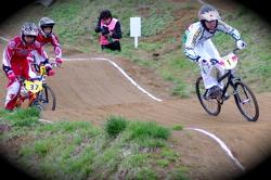 2008JBMXF全日本BMX選手権大会INひたちVOL13ボーイズ13&14、15&16クラス決勝_b0065730_12523749.jpg