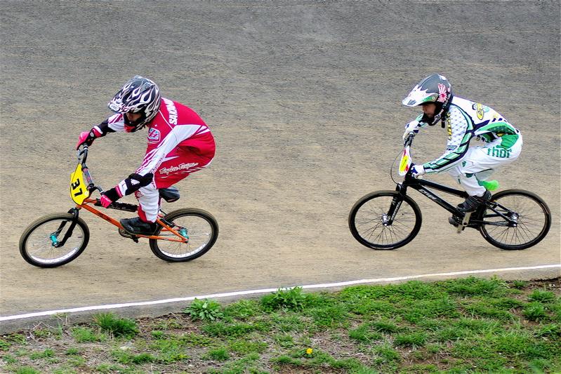 2008JBMXF全日本BMX選手権大会INひたちVOL13ボーイズ13&14、15&16クラス決勝_b0065730_12573173.jpg