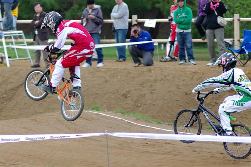 2008JBMXF全日本BMX選手権大会INひたちVOL13ボーイズ13&14、15&16クラス決勝_b0065730_12581758.jpg