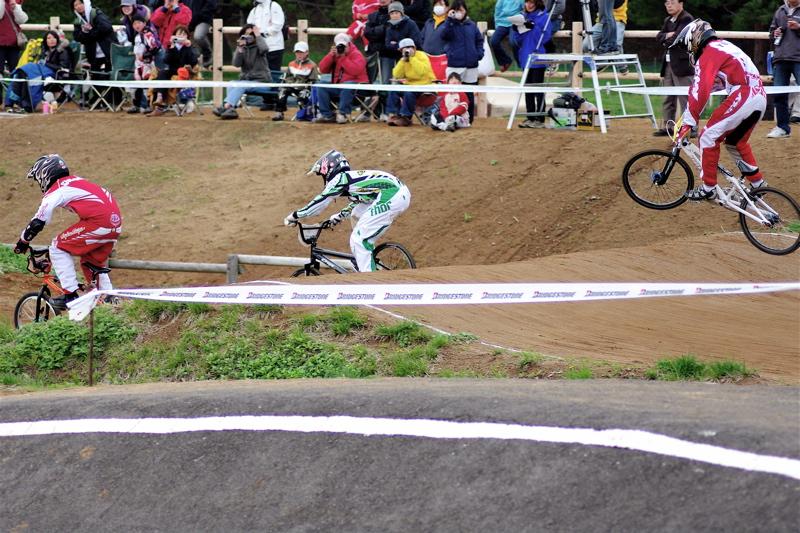 2008JBMXF全日本BMX選手権大会INひたちVOL13ボーイズ13&14、15&16クラス決勝_b0065730_12583024.jpg