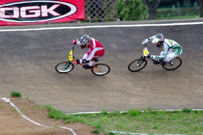 2008JBMXF全日本BMX選手権大会INひたちVOL13ボーイズ13&14、15&16クラス決勝_b0065730_12593527.jpg