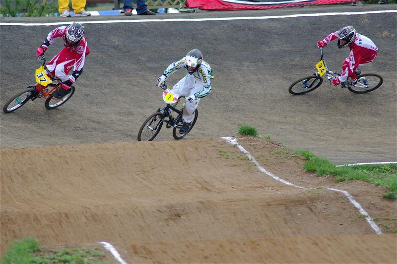2008JBMXF全日本BMX選手権大会INひたちVOL13ボーイズ13&14、15&16クラス決勝_b0065730_12594787.jpg