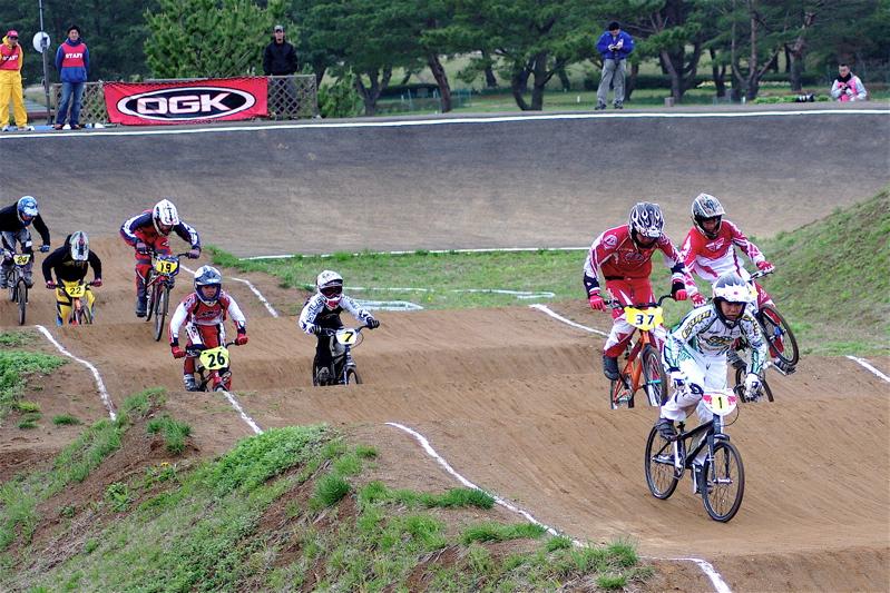 2008JBMXF全日本BMX選手権大会INひたちVOL13ボーイズ13&14、15&16クラス決勝_b0065730_1302754.jpg