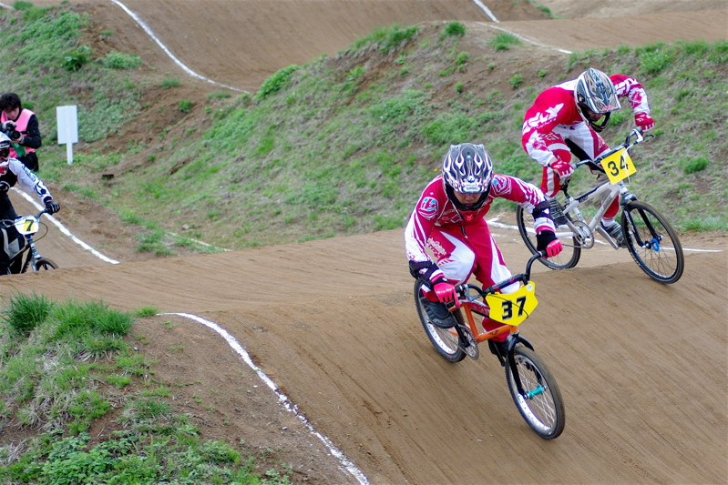2008JBMXF全日本BMX選手権大会INひたちVOL13ボーイズ13&14、15&16クラス決勝_b0065730_13111100.jpg