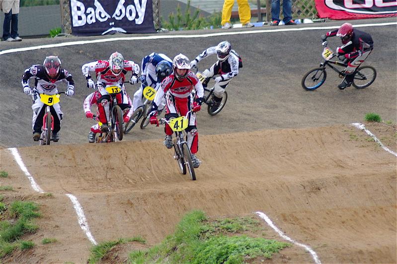 2008JBMXF全日本BMX選手権大会INひたちVOL13ボーイズ13&14、15&16クラス決勝_b0065730_13112531.jpg