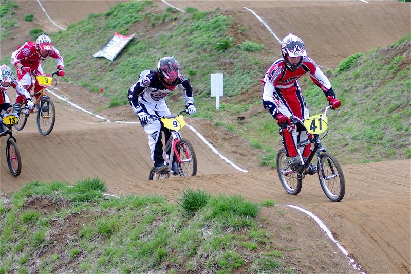 2008JBMXF全日本BMX選手権大会INひたちVOL13ボーイズ13&14、15&16クラス決勝_b0065730_13122418.jpg