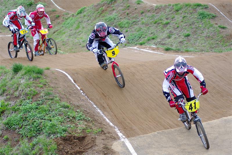 2008JBMXF全日本BMX選手権大会INひたちVOL13ボーイズ13&14、15&16クラス決勝_b0065730_13123739.jpg
