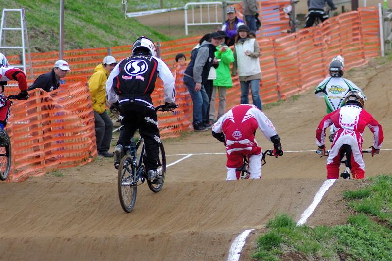 2008JBMXF全日本BMX選手権大会INひたちVOL13ボーイズ13&14、15&16クラス決勝_b0065730_1313212.jpg