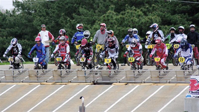 2008JBMXF全日本BMX選手権大会INひたちVOL13ボーイズ13&14、15&16クラス決勝_b0065730_136393.jpg