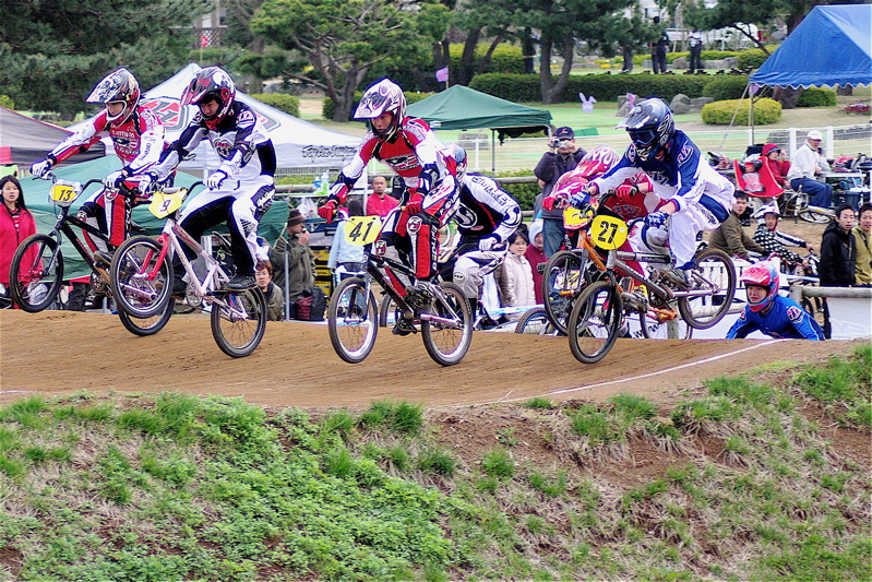 2008JBMXF全日本BMX選手権大会INひたちVOL13ボーイズ13&14、15&16クラス決勝_b0065730_1371319.jpg