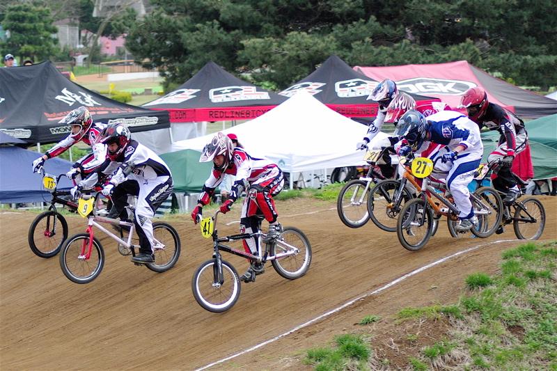 2008JBMXF全日本BMX選手権大会INひたちVOL13ボーイズ13&14、15&16クラス決勝_b0065730_1372610.jpg