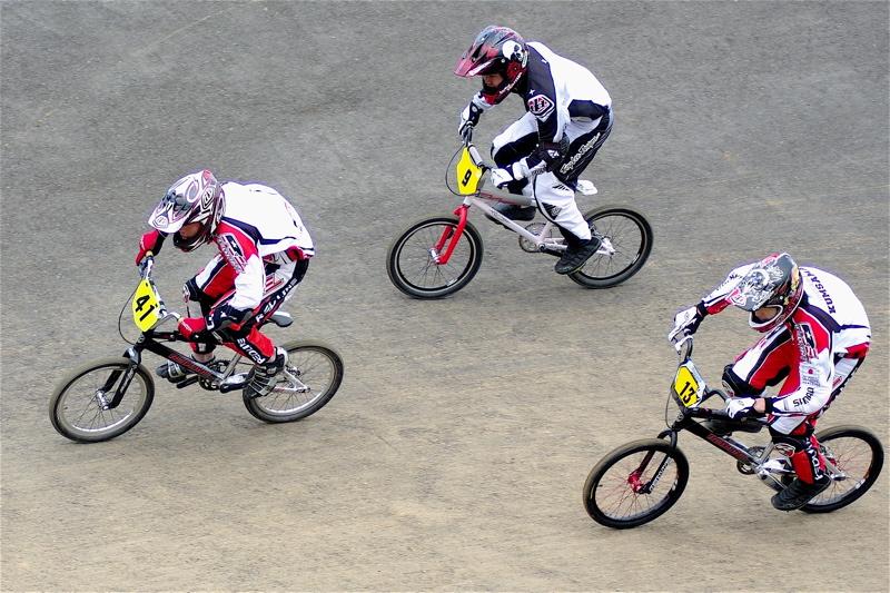 2008JBMXF全日本BMX選手権大会INひたちVOL13ボーイズ13&14、15&16クラス決勝_b0065730_1382785.jpg